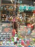 speelgoed in de etalage in Maastricht